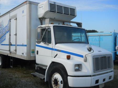 2000 Freightliner FL80 5