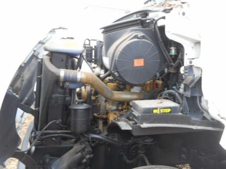 2000 Sterling L7500 6