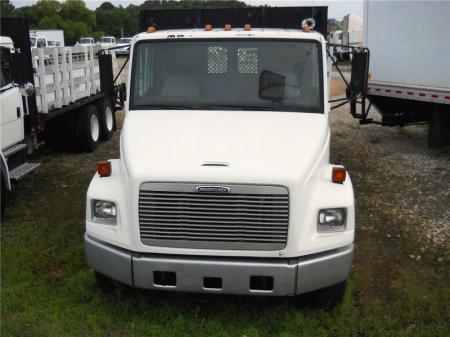 2001 Freightliner FL80 2