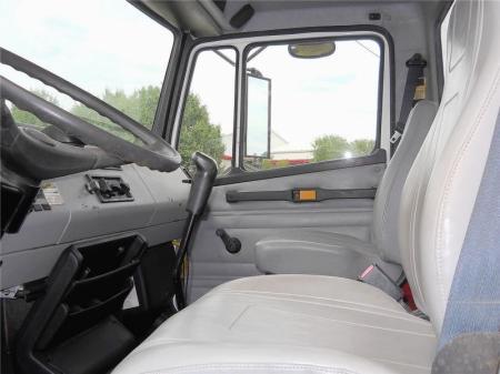 2001 Freightliner FL80 8