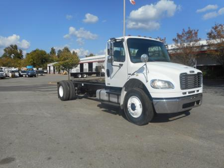 2005 Freightliner BUSINESS CLASS M2 106 5
