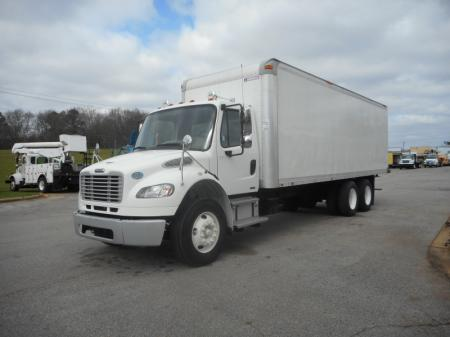 2009 Freightliner BUSINESS CLASS M2 106 3