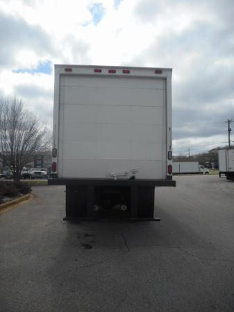 2009 Freightliner BUSINESS CLASS M2 106 4