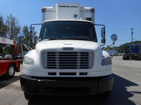 2010 Freightliner BUSINESS CLASS M2 106 11