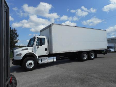 2009 Freightliner BUSINESS CLASS M2 106 1