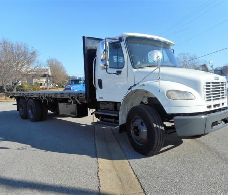 2008 Freightliner BUSINESS CLASS M2 106 3