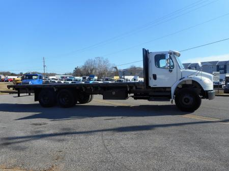 2008 Freightliner BUSINESS CLASS M2 106 4