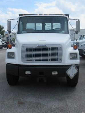 2004 Freightliner FL80 2