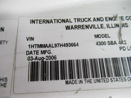 2007 International 4300 8