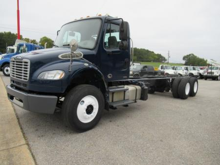 2012 Freightliner BUSINESS CLASS M2 106 2