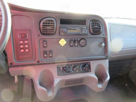 2014 Freightliner BUSINESS CLASS M2 106 10