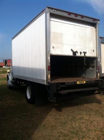 2000 Freightliner FL50 5