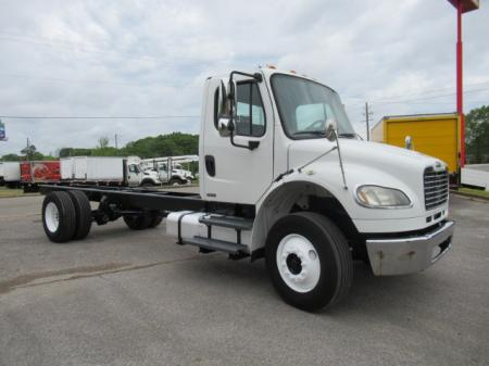 2010 Freightliner BUSINESS CLASS M2 106 4