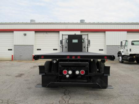 2013 Freightliner BUSINESS CLASS M2 106 4