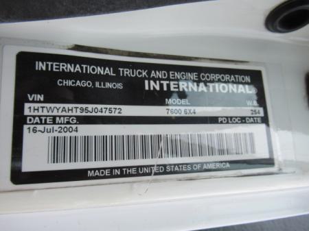 2005 International 7600 19