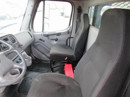 2012 Freightliner BUSINESS CLASS M2 106 7
