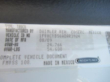 2010 Freightliner BUSINESS CLASS M2 106 12