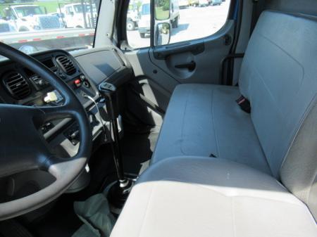 2013 Freightliner BUSINESS CLASS M2 106 11