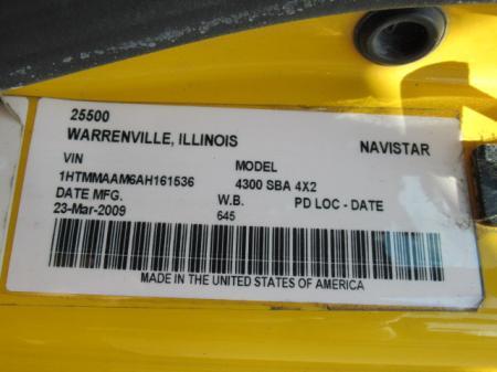 2009 International 4300 SBA 8