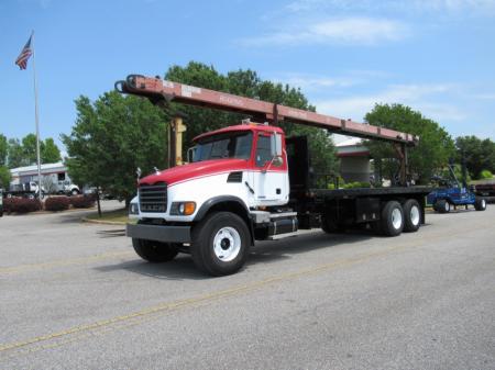 2007 Mack CV713 4