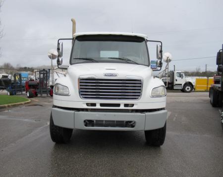 2013 Freightliner BUSINESS CLASS M2 106 9