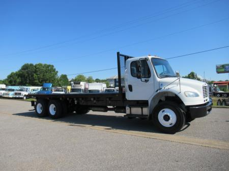2013 Freightliner BUSINESS CLASS M2 106 1