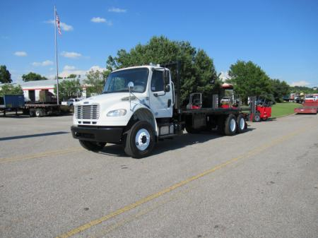 2013 Freightliner BUSINESS CLASS M2 106 9