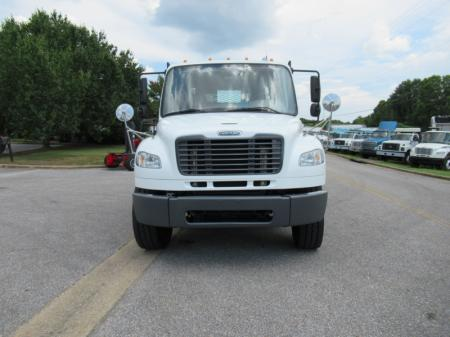 2013 Freightliner BUSINESS CLASS M2 106 7