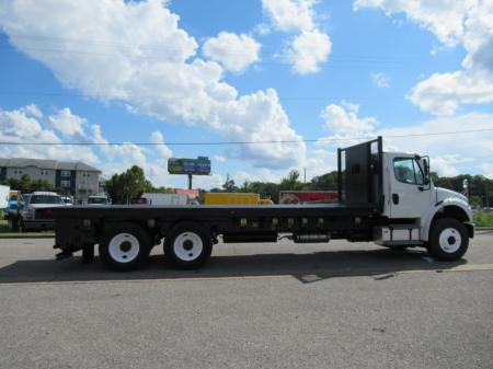 2014 Freightliner BUSINESS CLASS M2 106 4