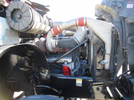 2005 Mack CV713 16